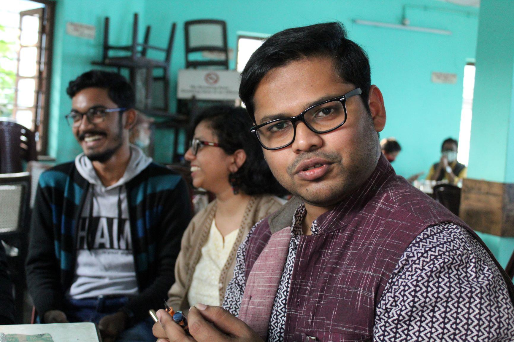 Maanjitender Sethi a Pen meet and the spirit of giving